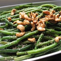 tastycookery | Japanese-Style Sesame Green Beans Kathe:  don't cook with the sesame oil,  instead, spoon over cooked beans.  I always used toasted sesame oil.
