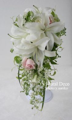 ユリのキャスケードブーケ ピンクのバラを挿し色に @立川ルーデンス ys floral deco