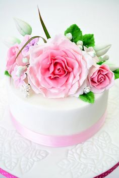 sugar rose cake - by Kessy @ CakesDecor.com - cake decorating website