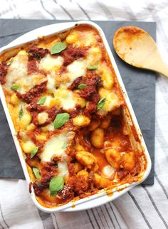 Discover recipes, home ideas, style inspiration and other ideas to try. Mozzarella, One Pot Pasta, Comfort Food, Diy Food, Mac And Cheese, Italian Recipes, Love Food, Brunch, Food And Drink