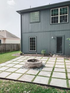 Diy Patio, Backyard Patio, Backyard Landscaping, Landscaping Ideas, Paver Fire Pit, Fire Pit With Pavers, Patio With Pavers, Building A Patio, Cement Patio