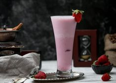 Strawberry milkshake on the table Free P. Strawberry Milkshake, Strawberry Banana Smoothie, Chocolate Milkshake, Banana Milkshake, Milk Shakes, Fruit Smoothies, Breakfast Drinks Healthy, Smoothie Glass, Frozen Yogurt