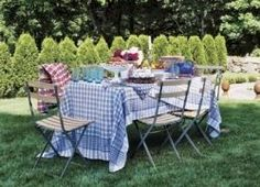 Patriotic Picnic: Combine solid blue dishes, red and white flowers, and a blue gingham tablecloth for a patriotic backyard picnic. Outdoor Dinner Parties, Outdoor Entertaining, Outdoor Dining, Outdoor Tables, Outdoor Decor, Rustic Outdoor, Outdoor Fun, Outdoor Spaces, Fresco
