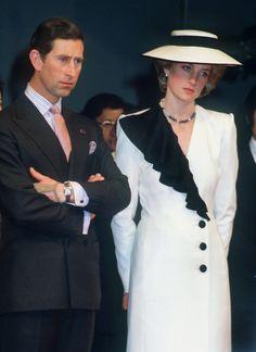 Prince Charles et Lady Diana princesse de Galles Prince Charles and Lady Diana Princess of Wales Prince And Princess, Princess Kate, Princess Of Wales, Diana Fashion, Royal Fashion, Style Fashion, Fashion Ideas, Diana Spencer, Charles And Diana