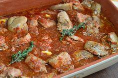 Ficatei de pui la cuptor, in sos de rosii - CAIETUL CU RETETE Curry, Ethnic Recipes, Food, Curries, Essen, Meals, Yemek, Eten