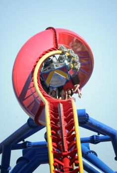 Rating Superman ride at Six Flags Discovery Kingdom