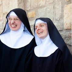 Nun Outfit, Catholic Pictures, Religion, Bride Of Christ, Special Friends, Beautiful Smile, Christian Faith, Priest, Sisters