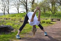 The Best Yoga Poses for Hiking and Backpacking