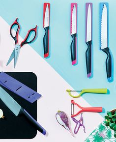 Forget dull knives! Check out our Tupperware Knife and Peeler set. #Tupperware