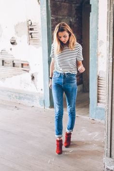 Casual fall style // red boots & stripes