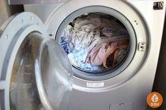 지독한 쉰내도 한방에! 만물상 초강력 '쉰내탈취제' 만들기 Housekeeping, Cleaning Hacks, Washing Machine, Household, Laundry, Home Appliances, Good Things, Sewing, Life