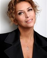 Agents Associés - Suzy Vatinet Suzy, Veronique Genest, Beauty Over 40, Star Francaise, French Beauty, French Actress, Sexy Older Women, Jolie Photo, Pretty Woman