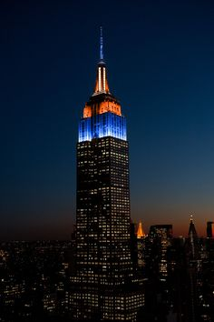 "Empire State Bldg on Twitter: ""Congratulations, @Broncos! Our tower lights are sparkling in blue, orange & white to honor their #SuperBowl50…"