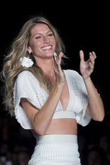 To make things more interesting at Wednesday's Sao Paolo show, Brazilian model Gisele Bundchen – wife of New England Patriots quarterback Tom Brady – took to the runway, wearing creations from the Colcci Summer collection. Photos of her in the Colcci garments are included in the slideshow.