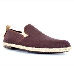 Chaussures d'été PETER BLADE SAINTROP Marron : chez vous pour 49 € seulement ! http://www.peterblade.com/chaussure/homme/saintrop_marron/detente/marron/toile/dolce_vita/258