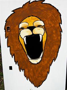 http://planetoftheapels.blogspot.com/2010_07_01_archive.html