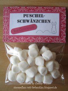 Stempelhex-mit-Farbenklex: Puschel-Schwänzchen vom Osterhasen