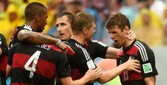 Achtelfinale gegen Algerien - Nach dem 1:0-Sieg gegen die USA steht die deutsche Nationalmannschaft im Achtelfinale der Fußball-WM. Überraschend erreichte in Gruppe H Algerien hinter Belgien den zweiten Platz. Nun treffen Jogis Jungs, Erster der Gruppe G, auf die Elf aus Nordwestafrika.