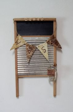 Items similar to Vintage Washboard Rustic, Primitive ChalkBoard Upcycled Laundry Room, Kitchen , Cabin Decor on Etsy - Vintage Upcyled Washboard Rustic, Primitive Chalk Washboard Decor Estás en el lugar correcto - # Primitive Crafts, Wood Crafts, Diy Crafts, Washboard Decor, Upcycled Home Decor, Repurposed, Etsy Vintage, Crafty, Rustic
