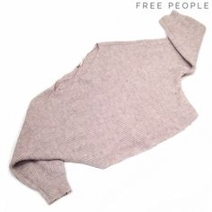 Free People gray oversize slouch sweater top Free People gray oversize slouch sweater top. In very good condition, with minor wear and pilliness throughout. Free People Sweaters Crew & Scoop Necks