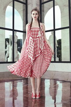 Fendi Resort 2017 Collection Photos - Vogue - Fashion New Trends Fashion Week, Fashion 2017, Runway Fashion, High Fashion, Fashion Show, Fashion Looks, Womens Fashion, Fashion Design, Fashion Trends