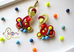 ソウタシエ・イヤリング KaoriNa. Soutache Long Earrings - Neon POP ! Soutache Jewelry, Shibori, Diy Jewelry, Jewerly, Neon, Lifestyle, Earrings, Jewelry, Jewels
