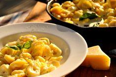 Cum fac un sos alb pentru paste? Recipe Boards, Tortellini, Prosciutto, Keep It Cleaner, Macaroni And Cheese, Deserts, Goodies, Pasta, Cooking