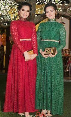Diy gown idea Desi Wedding Dresses, Pakistani Formal Dresses, Shadi Dresses, Pakistani Fashion Casual, Pakistani Wedding Outfits, Pakistani Bridal Wear, Pakistani Dress Design, Indian Dresses, Pakistani Models