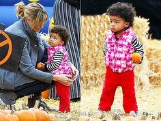 Heidi Klum with Lou Samuel. check out that amazing hair! Mixed Boy, Mixed Girls, Cute Babies, Baby Kids, Beautiful Black Babies, Designer Baby Clothes, Amazing Hair, Celebrity Babies, Heidi Klum