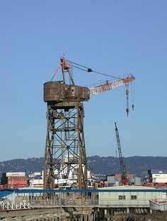 Oakland shipyard 2916a, via Flickr.