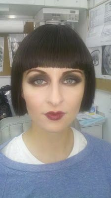 Pigment: Flapper Makeup for the Holidays? Pigment: Flapper Makeup for the Holidays? Great Gatsby Makeup, 1920 Makeup, Flapper Makeup, Vintage Makeup, The Great Gatsby, Diy Flapper Costume, 1920s Makeup Gatsby, Roaring 20s Makeup, Flapper Hair