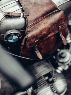 BMW / BIKE SHED - EXHIBITION PARIS 2015 GRIZZLY RIDE OUT - SOUTHSIDERS / © Laurent Nivalle / www.laurentnivalle.fr