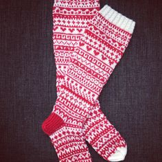Crochet Socks, Knitting Socks, Hand Knitting, Knit Crochet, Knitting Designs, Knitting Patterns, Stockings Legs, Wool Socks, Fair Isle Knitting