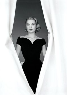 Montblanc- Grace Kelly. (photography and dressmaking)
