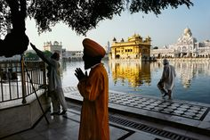 A new exhibit focuses on the famed photographer's work on the subcontinent.