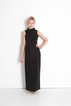 PRE-ORDER THE GO GO GOWN IN BLACK
