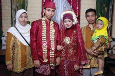Kg.Wahid & Mb.Lina