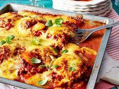 Keine Idee, was Sie heute kochen sollen? Wie wäre es mit Schnitzel überbacken? Aus dem Ofen schmeckt der Klassiker nochmal viel besser.