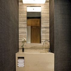 Já falamos aqui, algumas vezes, que a decoração do lavabo deve ser pensada como um cartão de visitas da sua casa. Geralmente, é o banheiro usado pelos convidados. Por isso, vale investir para deixar o espaço mais chique e moderno. Se você não tem um lavabo, faça isso com o banheiro social, não tem muito segredo. Caprichar na decoração do lavabo é um sinal de hospitalidade. E se você é do tipo moderninho-contemporâneo, esse post tá pra você! Separamos, para te inspirar, 15 imagens de lavabos…