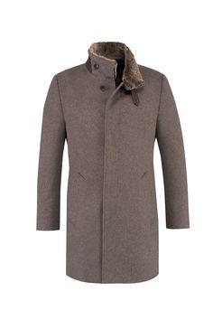 #TuesdayTreasure | Pure elegance for crispy days! #bugattifashion #menswear #coat #lambskin