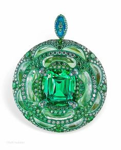 Arunashi- winner of best color award from Couture Magazine for this pendant & others of her works.
