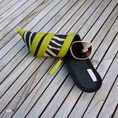 🌞🌞🌞with all that sunshine coming up your eyes definitely need some shade... so why not put your sunglasses in this awesome lemon zebra sunglasses case 😁🙃. Has got matching iphone case 👍. At http://www.wagnerstrasse.de #sonnenbrille #brillenetui #spectacles #sunglasses #vegan #lemon
