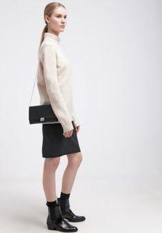 Deine Wolke an grauen Tagen. DKNY Strickpullover - buff für 249,95 € (10.11.15) versandkostenfrei bei Zalando bestellen.