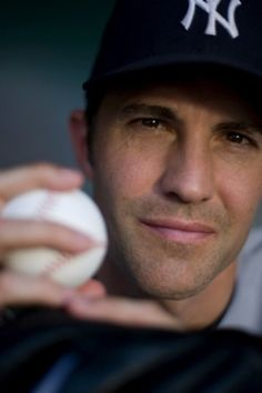 New York Yankees - Mike Mussina. When he retired, he retired! Yankees Baby, Damn Yankees, New York Yankees Baseball, Baseball Boys, Baseball Players, Hockey, Billie Jean King, I Saw The Light, Mickey Mantle