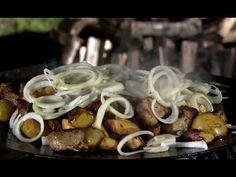 Жарка в натуре! Пошаговый рецепт: http://www.tveda.ru/recepty/pohodnaya-tarelka/