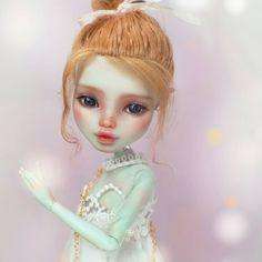 #monsterhigh #ooak #doll #dollrepaint #mu #monsterhighdolls #dollphotography Monster High Repaint, Monster High Dolls, Doll Painting, Doll Repaint, Star Vs The Forces Of Evil, Collector Dolls, Custom Dolls, Duct Tape, Ball Jointed Dolls