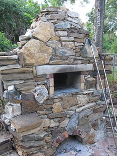 best outdoor brick pizza oven ever! This thinking outside the box inspires me to cook things up inside my head! Outdoor cooking does this to me! Brick Oven Outdoor, Pizza Oven Outdoor, Outdoor Stone, Outdoor Cooking, Pizza Oven Outside, Outdoor Kitchens, Stone Pizza Oven, Parrilla Exterior, Bricks Pizza