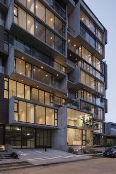 Gallery of ONE Apartment Building / JSARQ - 5