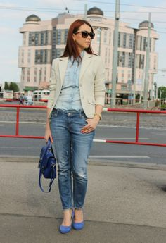Beige blazer and denim http://www.margifashion.blogspot.com