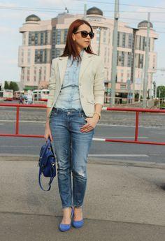 Beige blazer and denim http://www.margifashion.blogspot.com